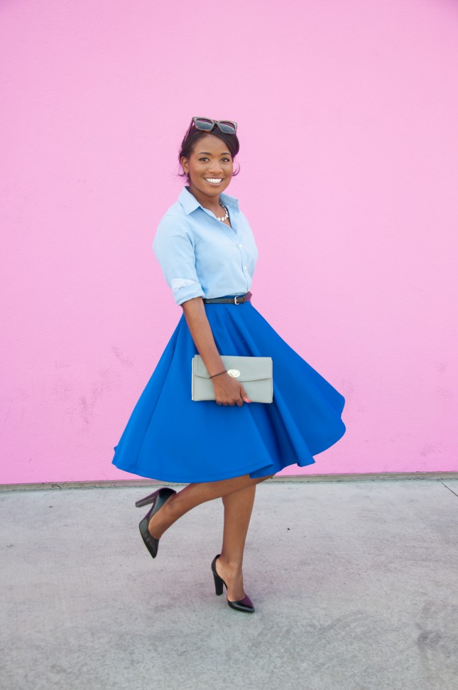 Monochromatic-outfit-with-blue-midi-skirt-at-the-pink-wall-in-los-angeles-downtown-demure-645x971