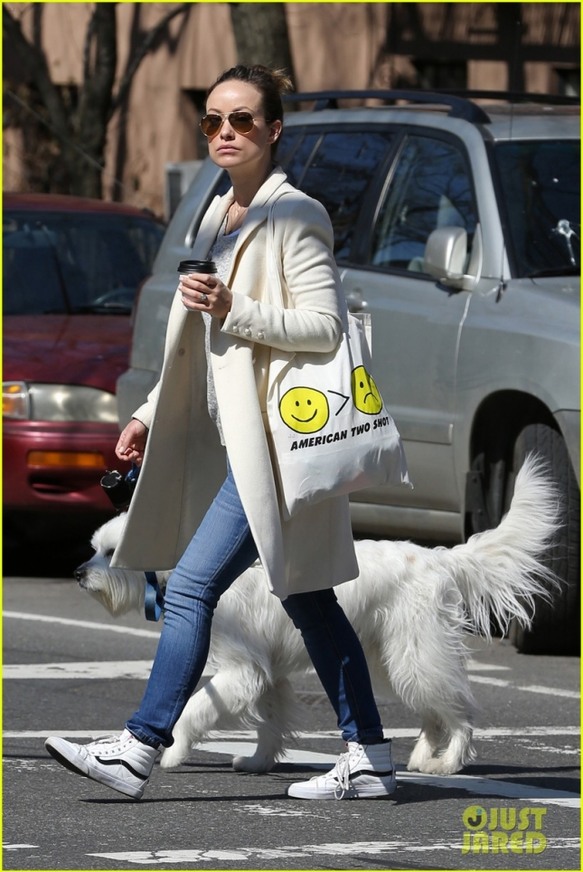 Hot mama Olivia Wilde takes her precious pooch Paco for a morning walk