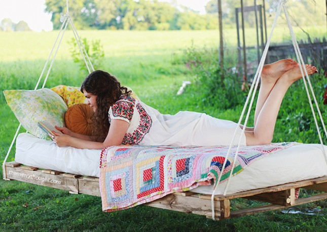 Pallet-Swing-Bed-The-Merrythought2-645x458