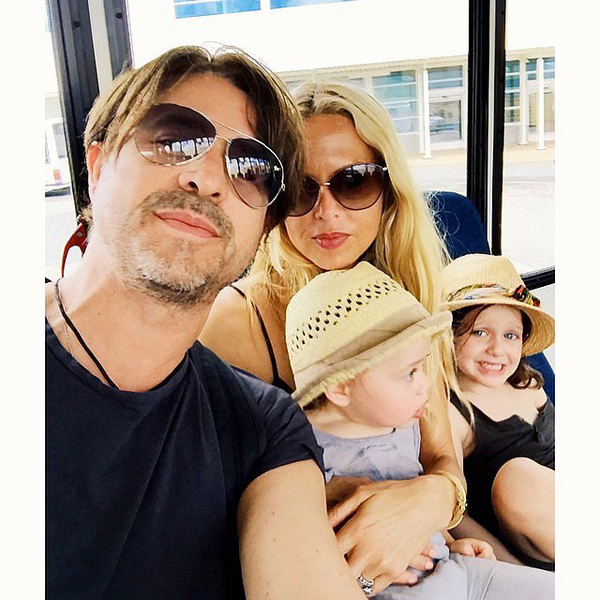 Rachel-Zoe-took-family-selfie-Miami