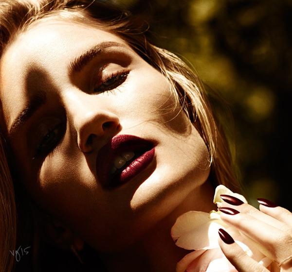 Роузи Хантингтон-Уайтли в фотосессии для Violet Grey