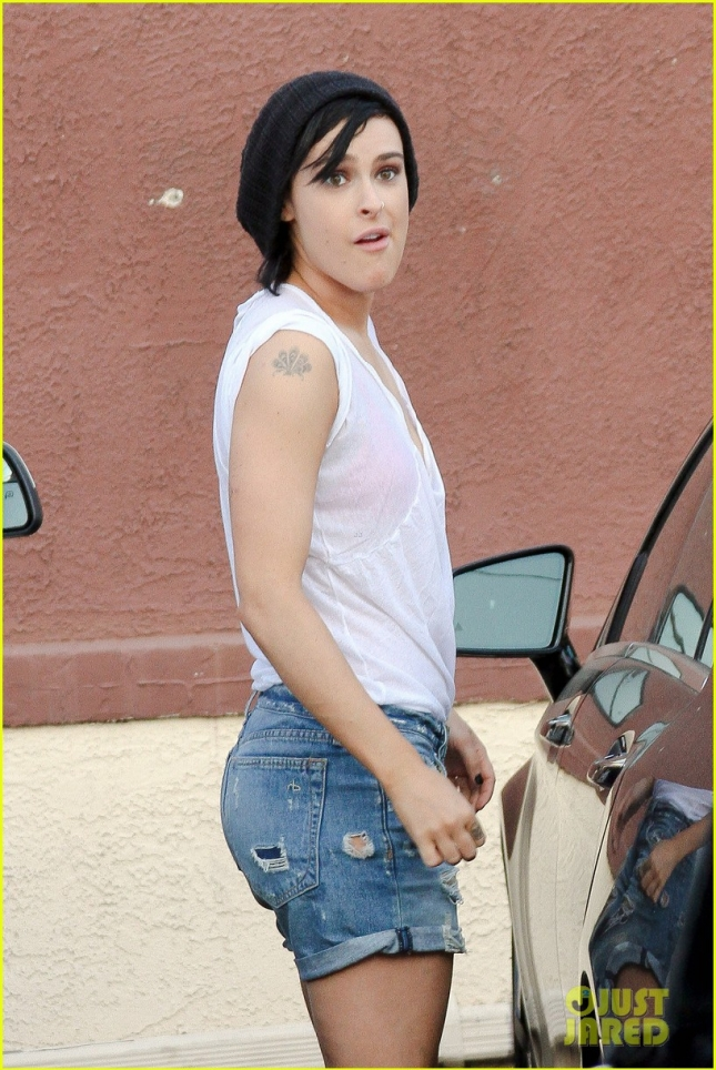 Rumer Willis and Val Chmerkovskiy head out from the studio together