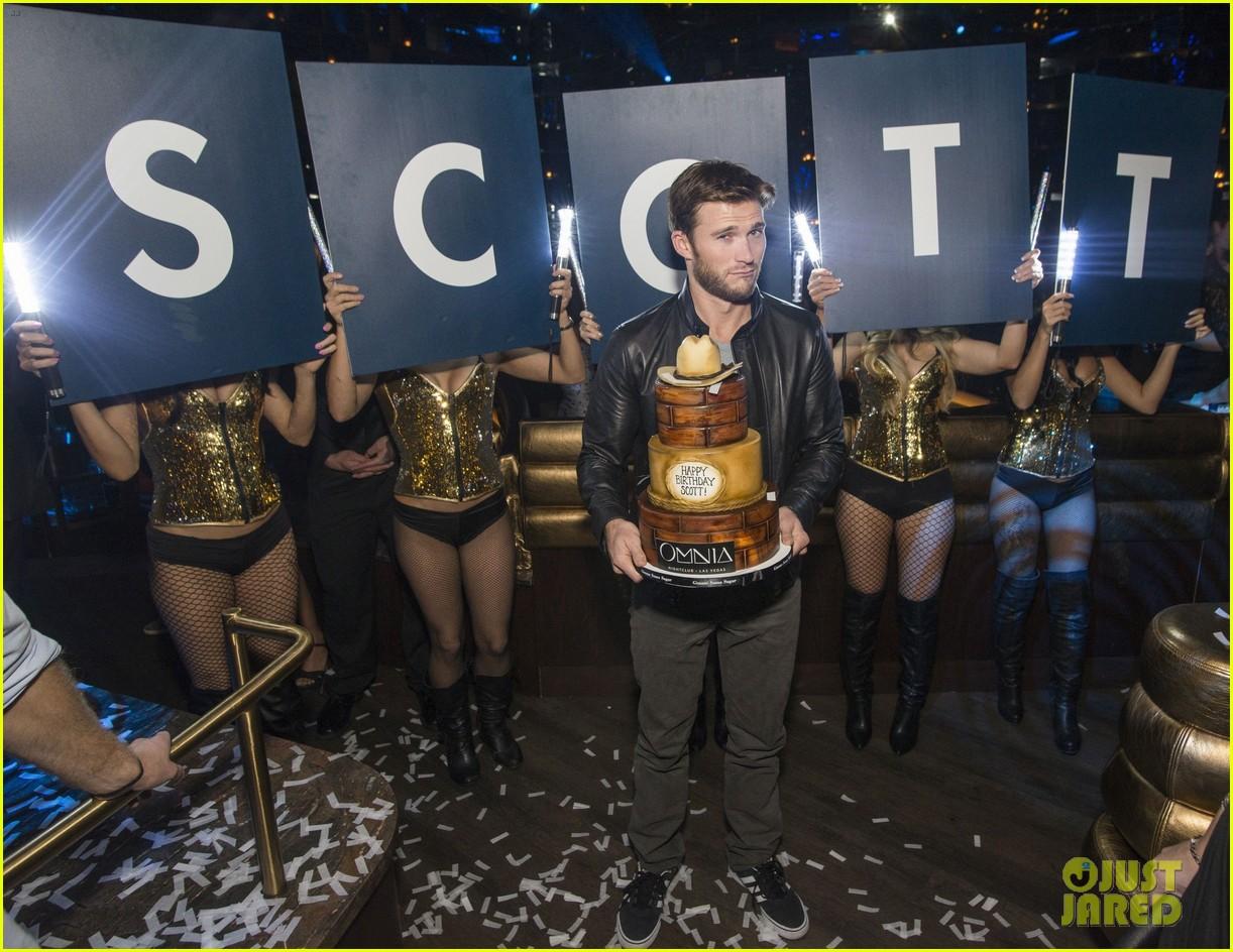 Who Was Scott Eastwood Hookup In 2018