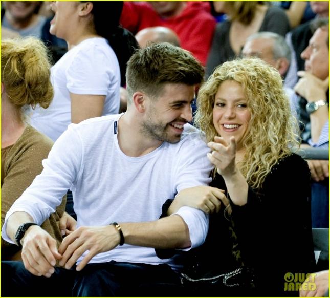 Шакира и Жерар Пике на баскетболе