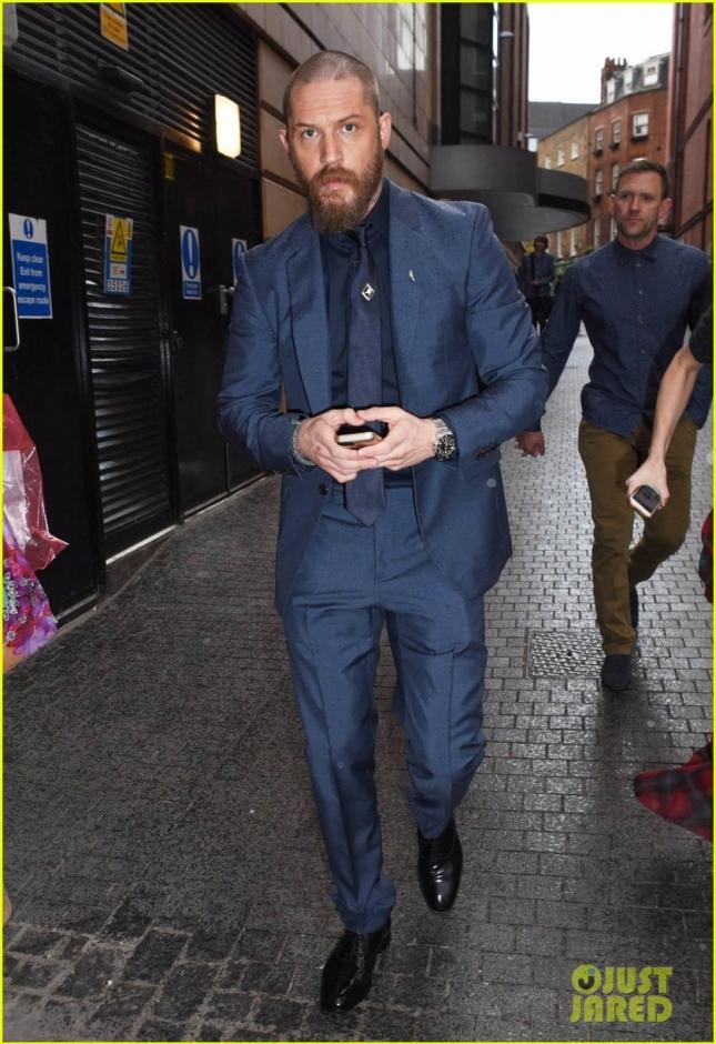 """Том Харди приехал на лондонскую премьеру """"Номера 44"""""""