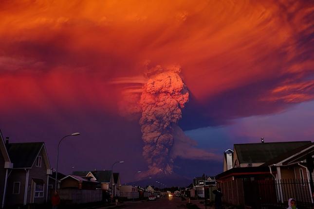 volcano-eruption-calbuco-chile-19__880
