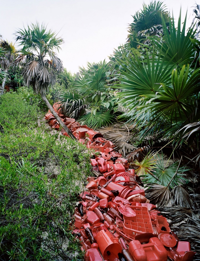 washed-up-trash-installations-alejandro-duran-11-3__880