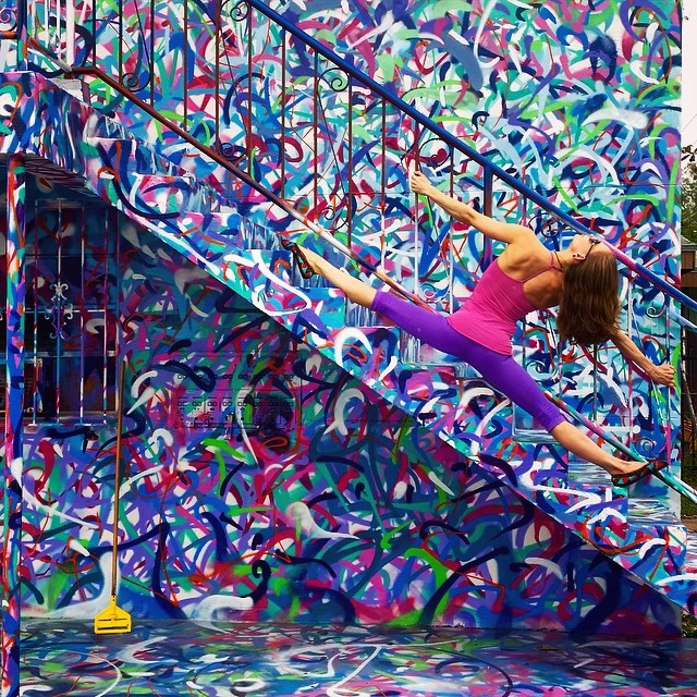 yoga-poses-street-art-graffiti-soren-buchanan-15