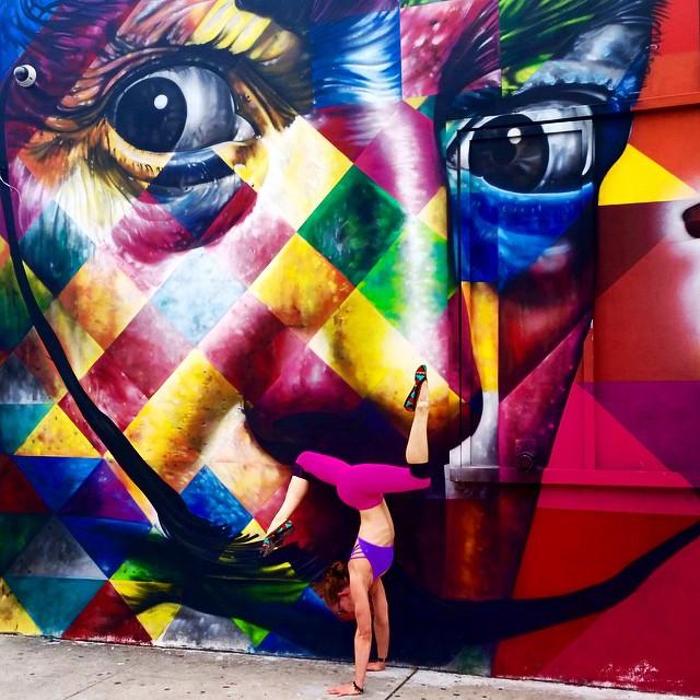 yoga-poses-street-art-graffiti-soren-buchanan-20