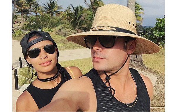 Zac-Efron-His-Girlfriend-Mexico