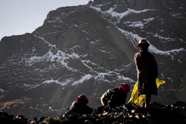 Женщины на золотых рудниках в Перу, Ла Риконкада.