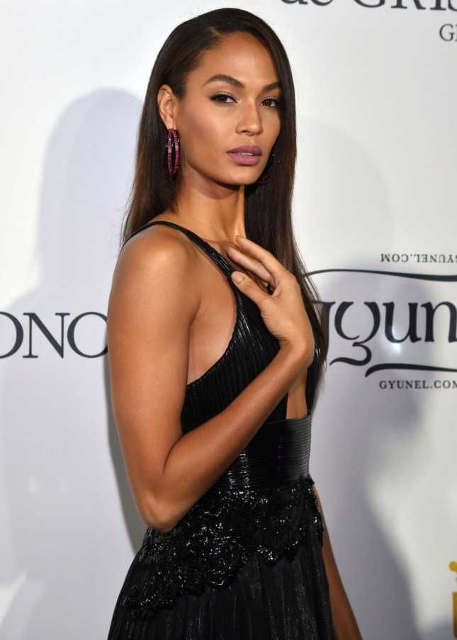 1826062-joan-smalls-assiste-agrave-la-950x0-1