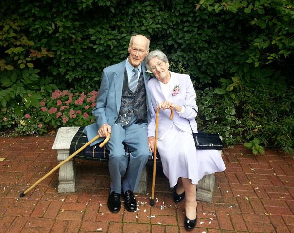 Тед женится на своей милой Жаннет. Обоим по 98 лет