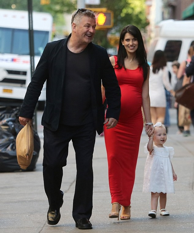 Хилария и Алек Болдуин с дочкой