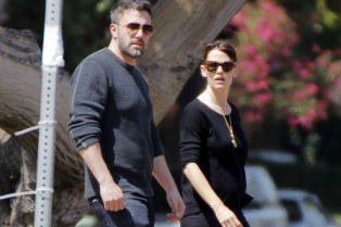 ben-affleck-jennifer-garner-step-out-amid-divorce-rumors-11