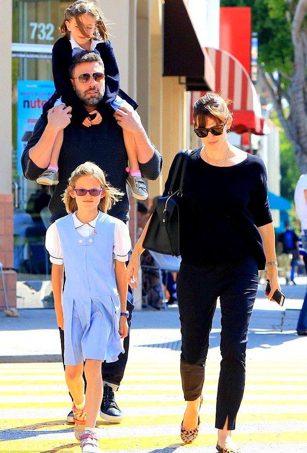 Дженнифер Гарнер и Бен Аффлек с дочками