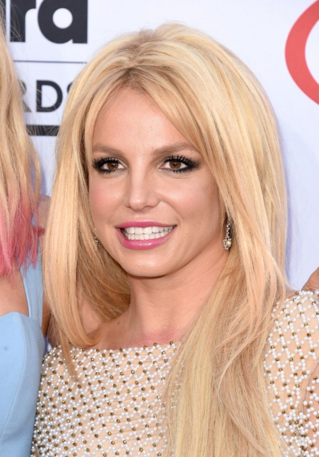 britney-spears-attends-the-2015-billboard-music-awards-in-las-vegas_4