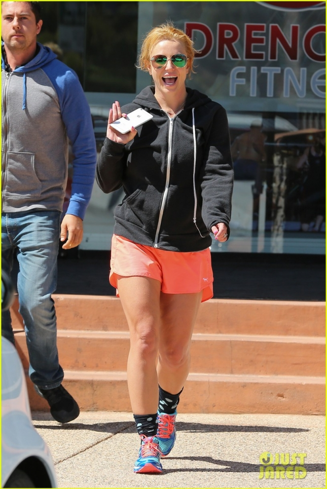 Britney Spears is a happy gym goer on Mother's Day!