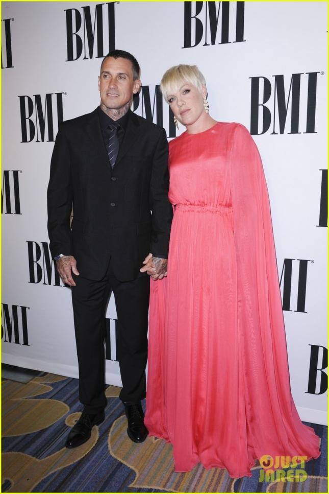 Пинк с мужем Кэри Хартом
