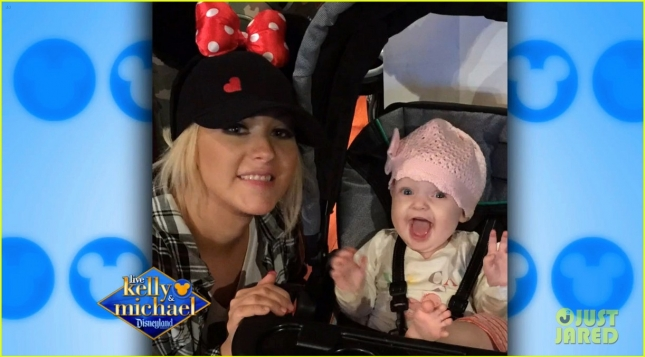 christina-aguilera-shares-cutest-photos-of-summer-rain-at-disneyland-02