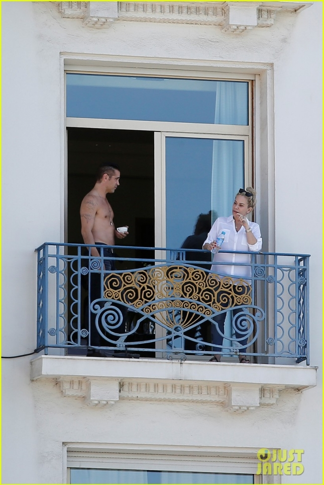 colin-farrell-shirtless-cup-of-cofee-08