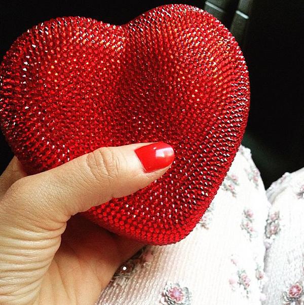 Клатч в форме сердца Дианы Крюгер