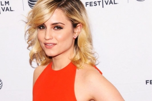 Dianna-Agron-Paz-de-la-Puerta-Bare-Movie-Premiere-Tribeca-Fil-Festival-Red-Carpet-Fashion-Tom-Lorenzo-Site-TLO-3