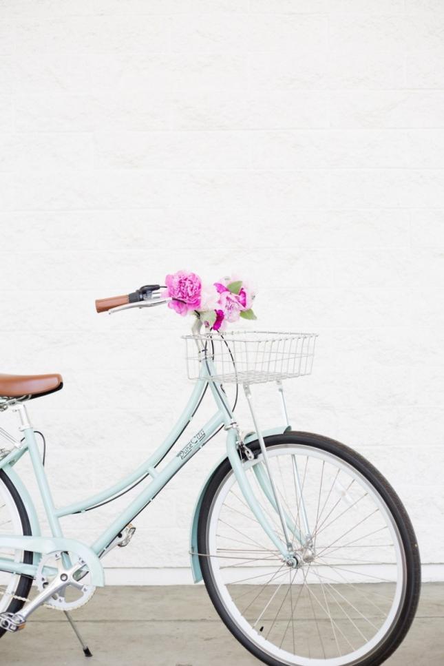 diy-floral-bicycle-handlebars7-800x1200