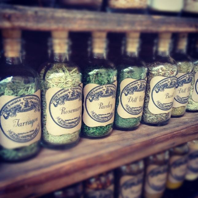 diy-vintage-spice-jars-homemakerchic-com