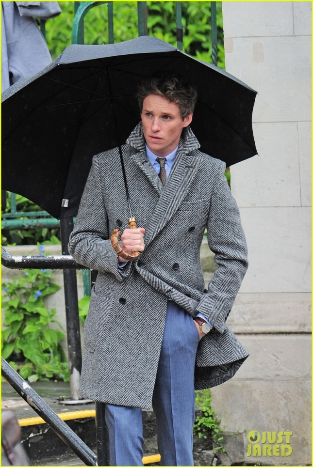 *EXCLUSIVE* Eddie Redmayne cleans up nice for a UK photo shoot **USA ONLY**