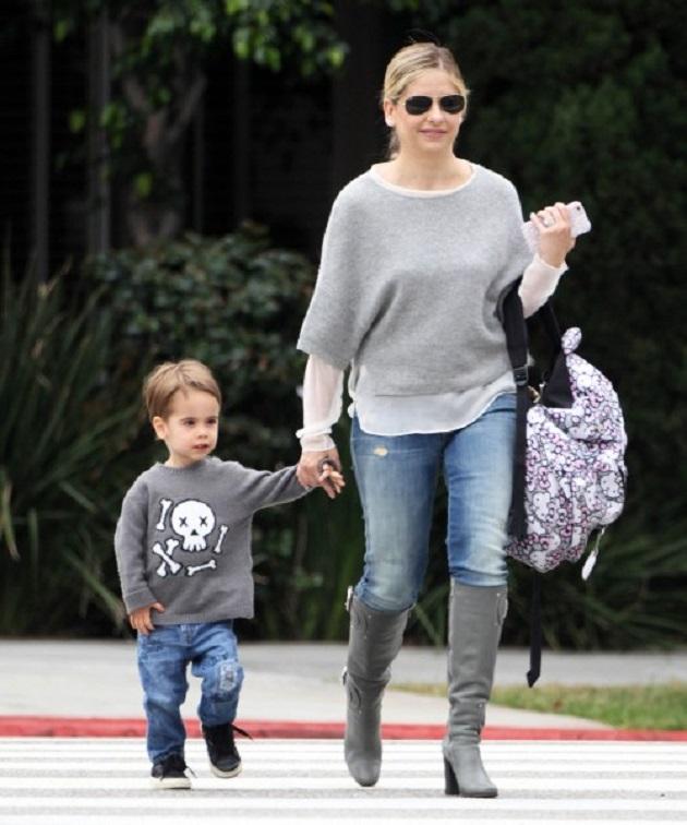Сара Мишель Геллар с сыном