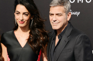 george-amal-clooney-los-angeles-tomorrowland-premiere-01