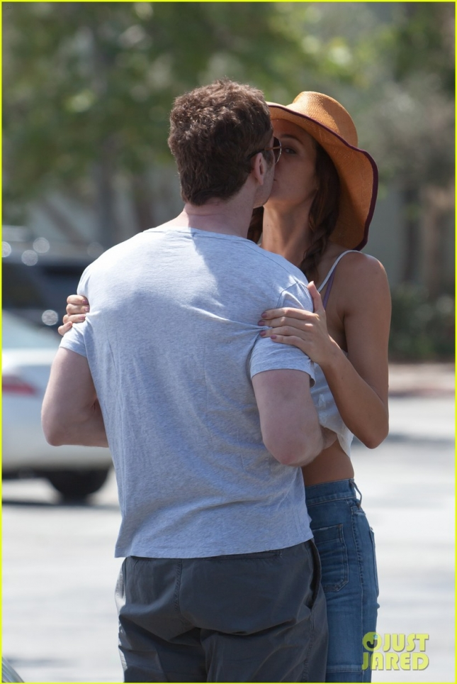 Gerard Butler and Morgan Brown Show Some PDA