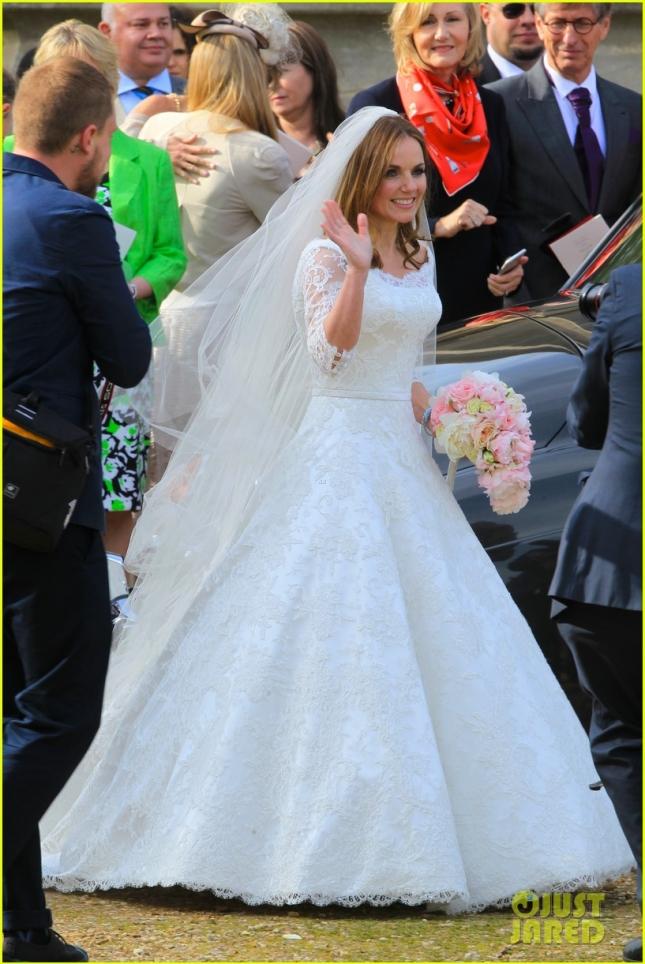 geri-halliwell-is-married-spice-girls-wedding-photos-01