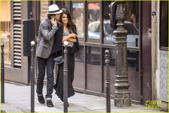 ian-somerhalder-nikki-reed-looked-so-in-love-in-paris-13
