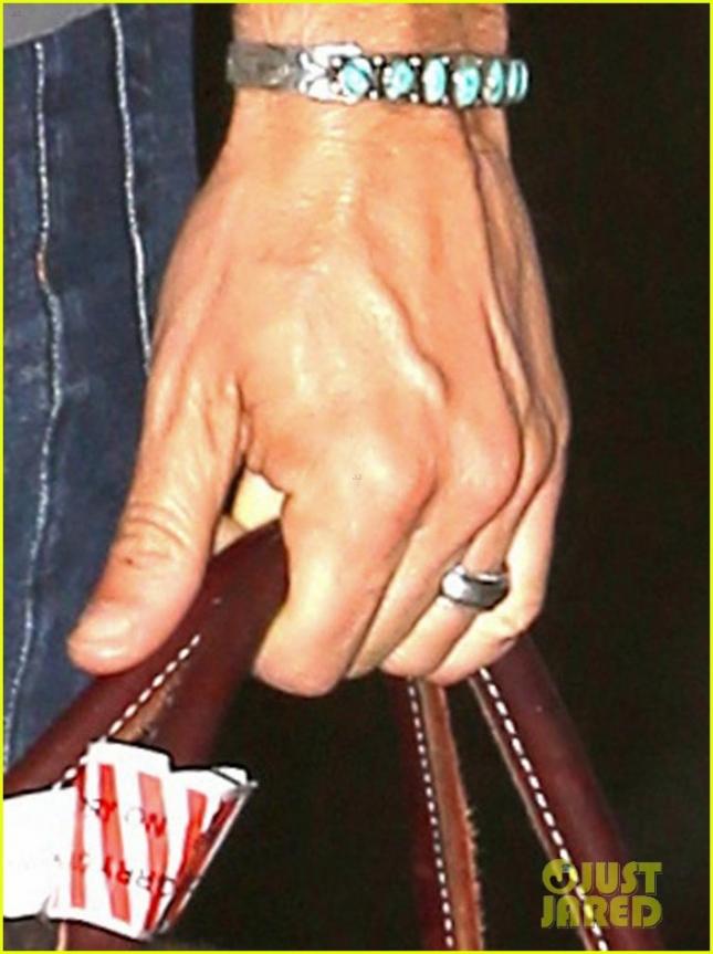 Обручальное кольцо Йена Сомерхолдера