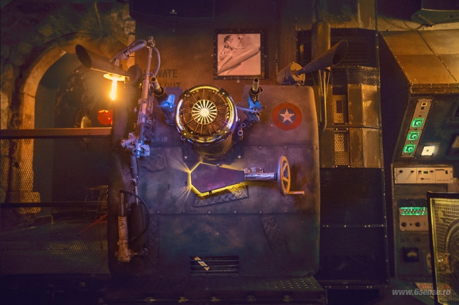 Industrial-steampunk-Submarine-themed-pub10__880