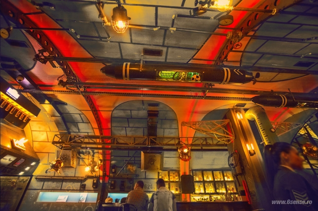 Industrial-steampunk-Submarine-themed-pub11__880