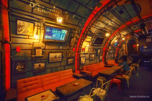 industrial-steampunk-submarine-themed-pub12__8801-314x209