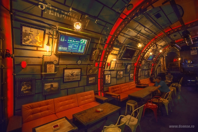Industrial-steampunk-Submarine-themed-pub12__880