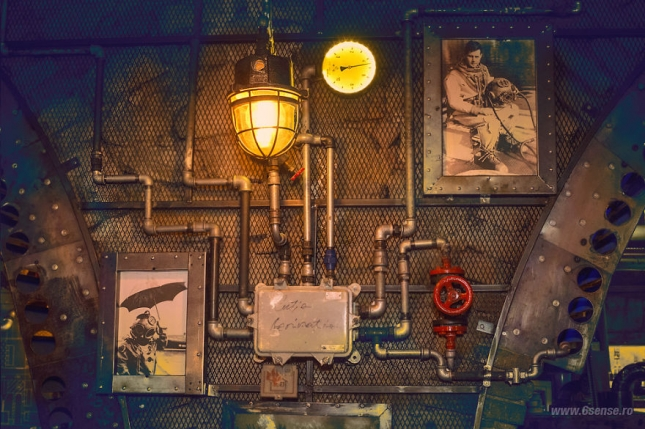 Industrial-steampunk-Submarine-themed-pub6__880