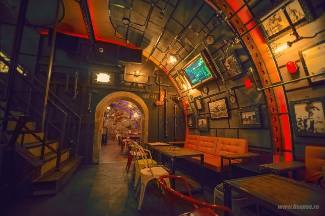 Industrial-steampunk-Submarine-themed-pub8__880