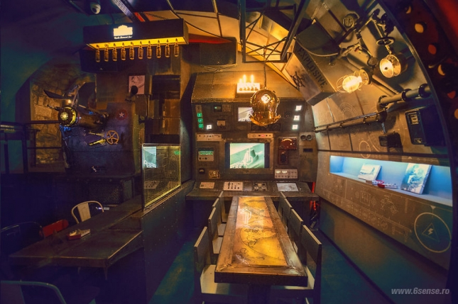 Industrial-steampunk-Submarine-themed-pub9__880