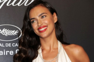 irina-shayk-adriana-lima-chopard-party-27