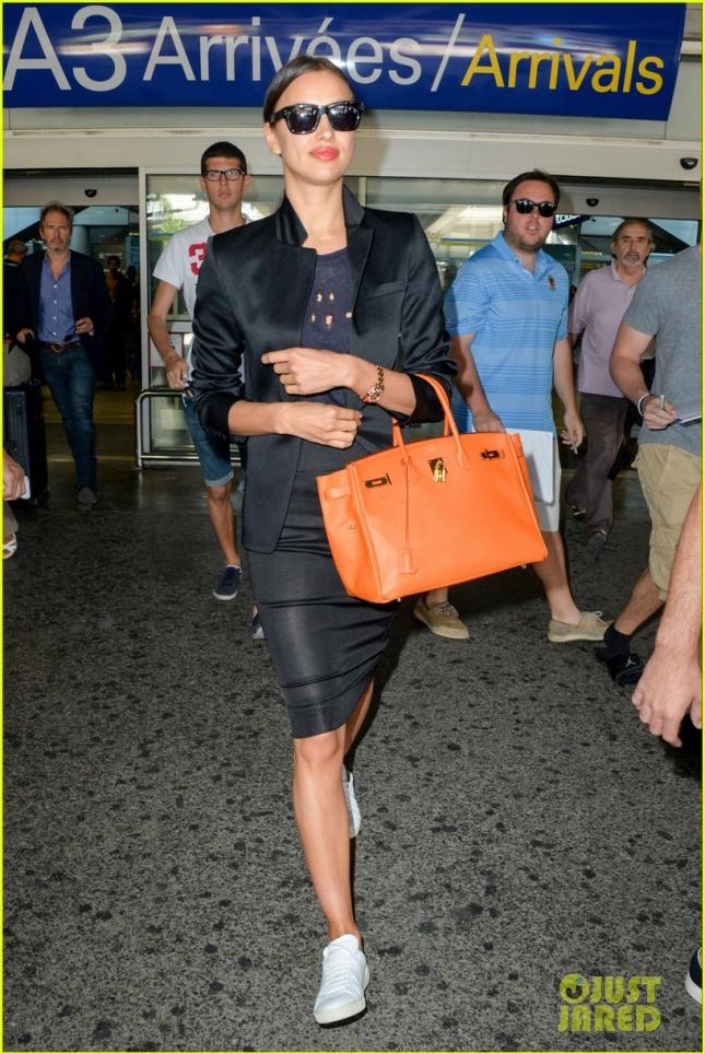 Ирина Шейк в аэропорту Ниццы