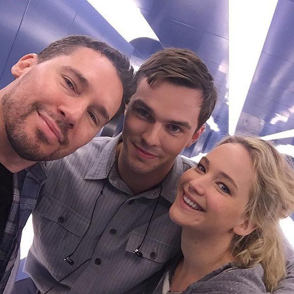 Jennifer-Lawrence-Nicholas-Hoult-X-Men-Set-2015