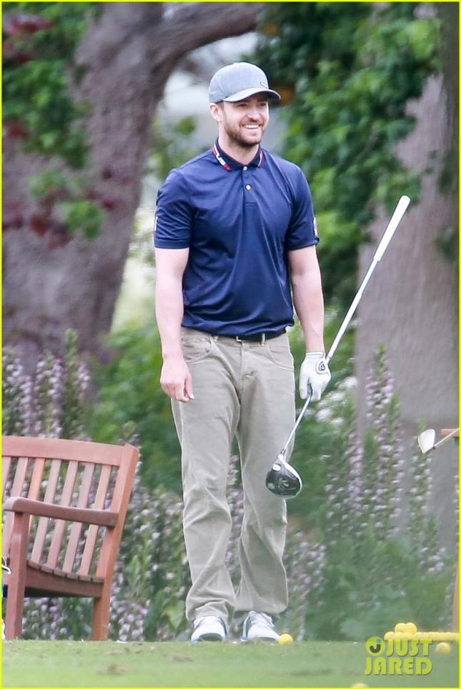 Новоиспеченный папа Джастин Тимберлейк сыграл в гольф с друзьями