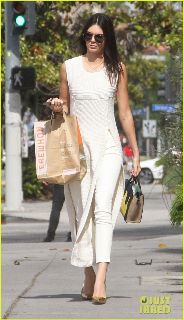 kendall-jenner-gets-fans-excited-for-summer-collection-with-pacsun-05