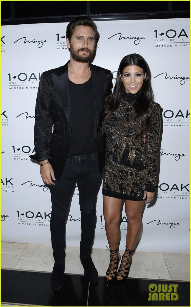 kourtney-kardashian-joins-scott-disick-for-birthday-05