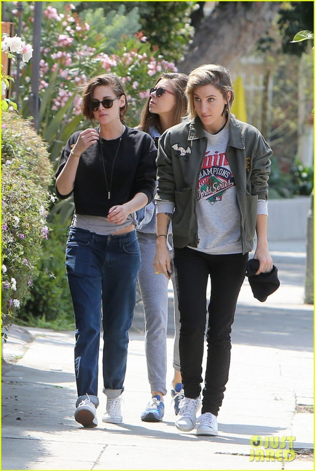 EXCLUSIVE: Kristen Stewart, Alicia Cargile and a friend go out together for lunch at Edendale in LA